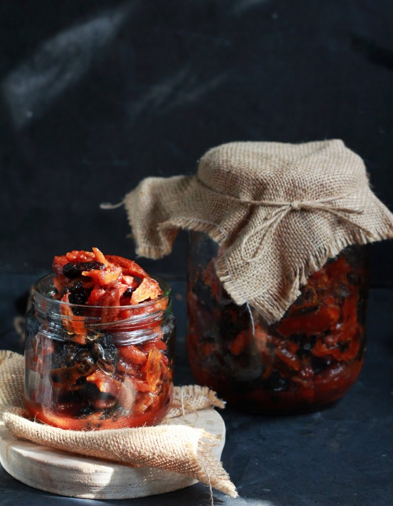 Dates & raisin pickle